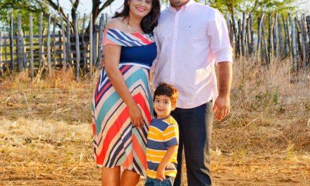 Prefeito eleito Genivaldo Tembório e família deseja feliz ano novo a todos os Pratenses