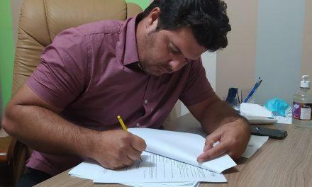Prefeito Genivaldo Tembório assina Termo de Adesão ao Garantia Safra 2020/2021