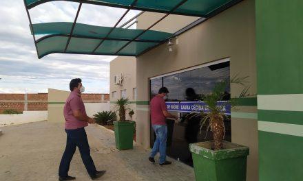Prefeito de Prata Genivaldo Tembório e secretária de Saúde Isadora Araújo faz visita nas unidades básicas de saúde.