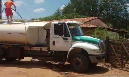 Prefeitura de Prata segue o cronograma de abastecimentos de água através do carro pipa nas localidades