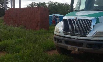 Com inverno irregular e escasso, a prefeitura de Prata reforça abastecimento de água com carros pipa