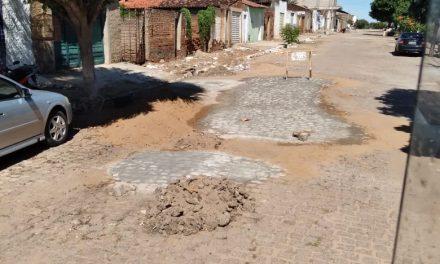 Prefeitura Municipal de Prata faz recuperação de calçamento de ruas danificadas