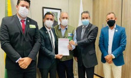 Pela primeira vez, Prefeitos Caririzeiros são recebidos pelo Ministro da Saúde para reunião em Brasília