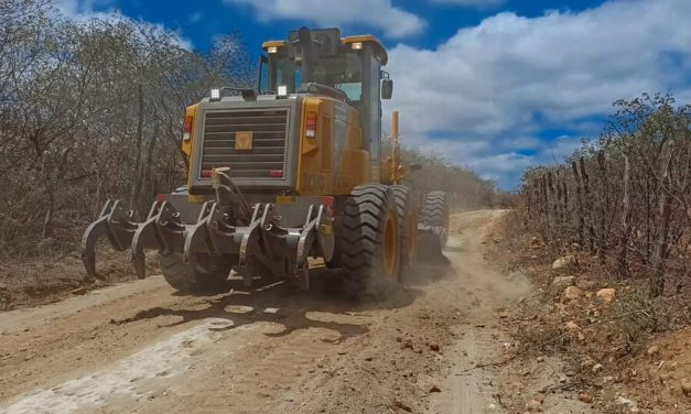 Prefeitura de Prata recupera estradas
